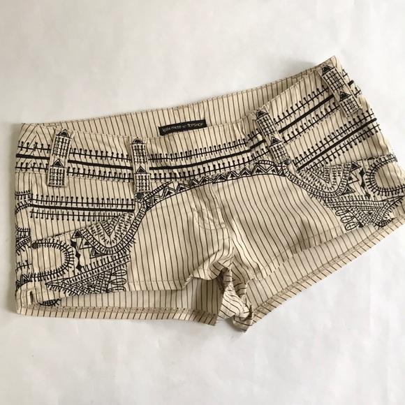Topshop Pants - 5/$20 Topshop Kate Moss 10 Short Shorts tan black